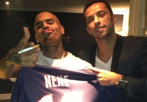 Nenê e Chris Brown