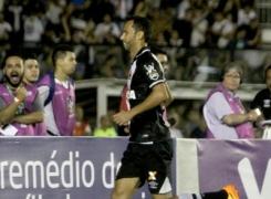 Nenê marca e garante virada do Vasco sobre o Fluminense