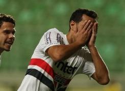Após gols, Nenê ressalta união do elenco tricolor